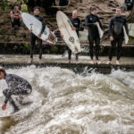 Come fare River Surfing sul fiume Eisbach (Isar) in Germania
