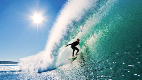 Posizione surf sull'onda