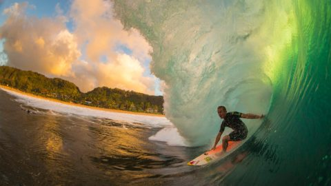 Prendere onde non rotte surf